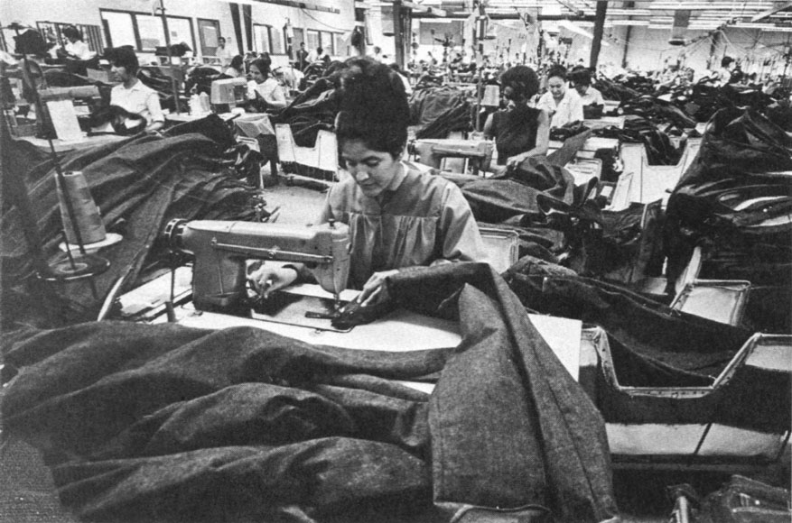 sweatshops a factory or workshop A sweatshop is a factory or workshop, especially those that make garments this is where manual workers are employed at low wages and under poor working conditions 33 people found this useful.